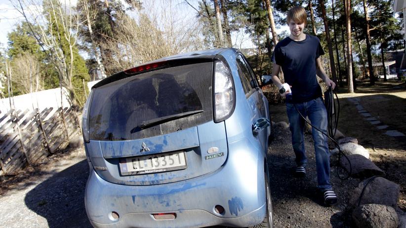 Mobilitaet, Elektromobilität, Elektroauto, Norwegen, Mehrwertsteuer, Kfz-Steuer, Tesla, Volkswagen, BMW, Auto, Abwrackprämie, Elektromobilität, Euro