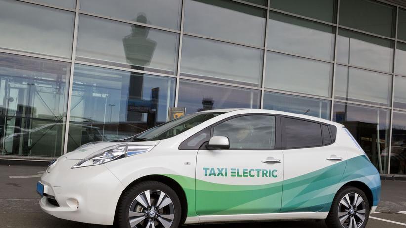 Nissan Leaf als Elektrotaxi in Amsterdam