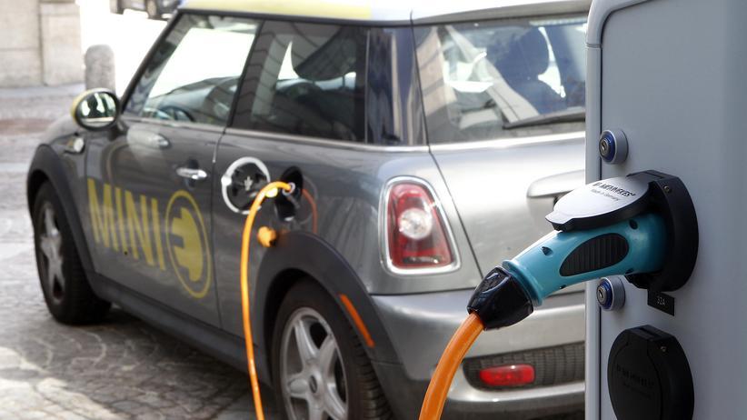 Elektroauto Schnellladesäule