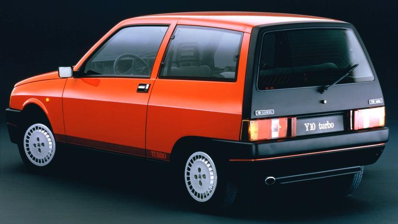 Der Lancia Y10, die erste Generation des Kleinwagens