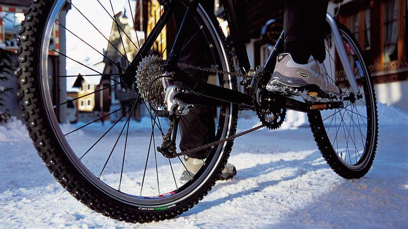 Fahrrad: Auf dem Rad sicher durch Herbst und Winter
