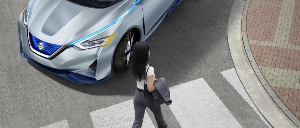 Selbstfahrendes Auto Fußgänger