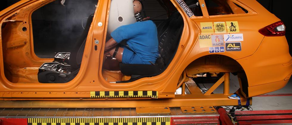 ADAC Crashtest Airbag Fond