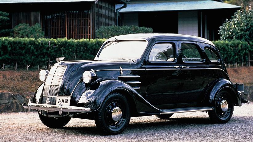 80 Jahre Toyota: Das erste Toyota-Modell AA wird 1936 präsentiert.