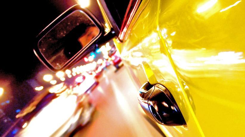 Werbung: Ob das Auto auch in der Realität so kräftig gelb strahlt?