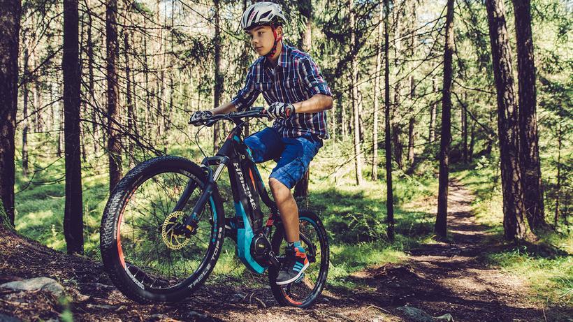 E Mountainbikes Mit Kindern Motorisiert Ins Gelände Zeit Online