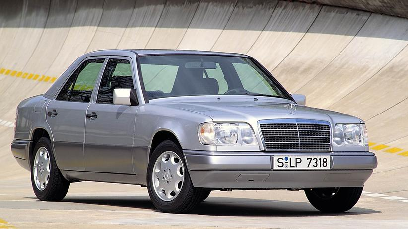 Oldtimer: Mercedes-Benz Limousine der Baureihe W124