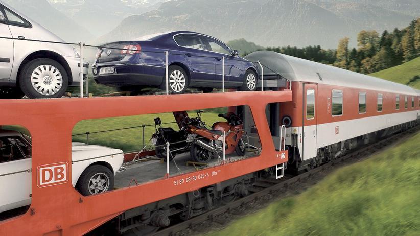 Autoreisezug: Nach dem Sommer stellt die Deutsche Bahn ihre Autoreisezüge ein.