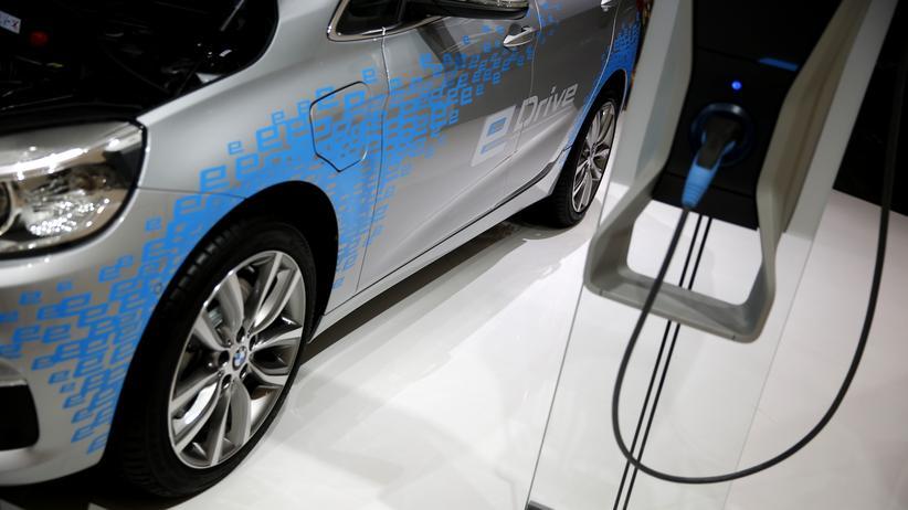 Elektromobilität: The BMW 225xe eDrive is presented during the media day at the Frankfurt Motor Show (IAA) in Frankfurt.