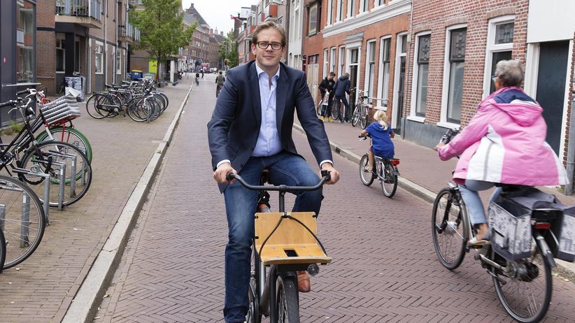 Fahrradverkehr: Paul de Rook auf dem Fahrrad unterwegs in Groningen