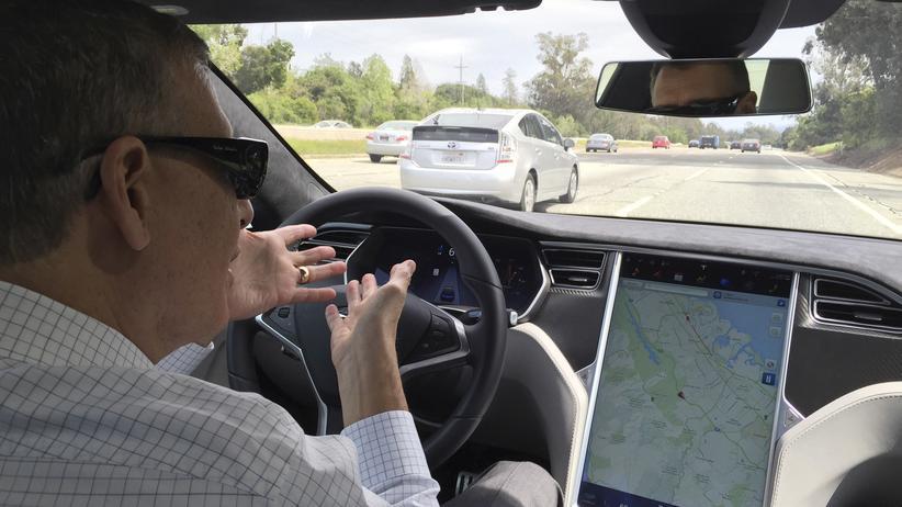 Tesla: Vollautomatisch gegen die Stoßstange