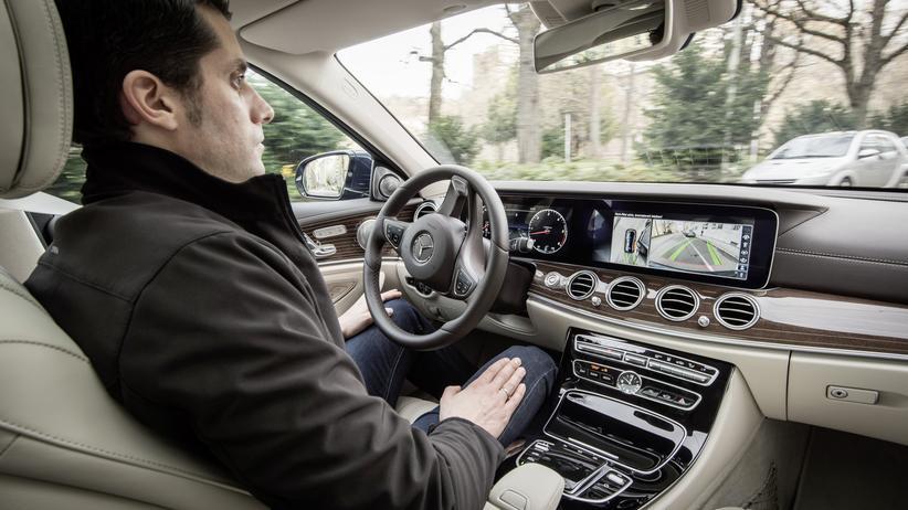 selbstfahrendes Auto Mercedes-Benz E-Klasse