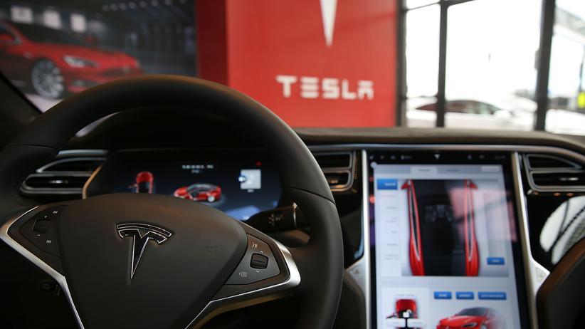 Tesla: War der Autopilot an?
