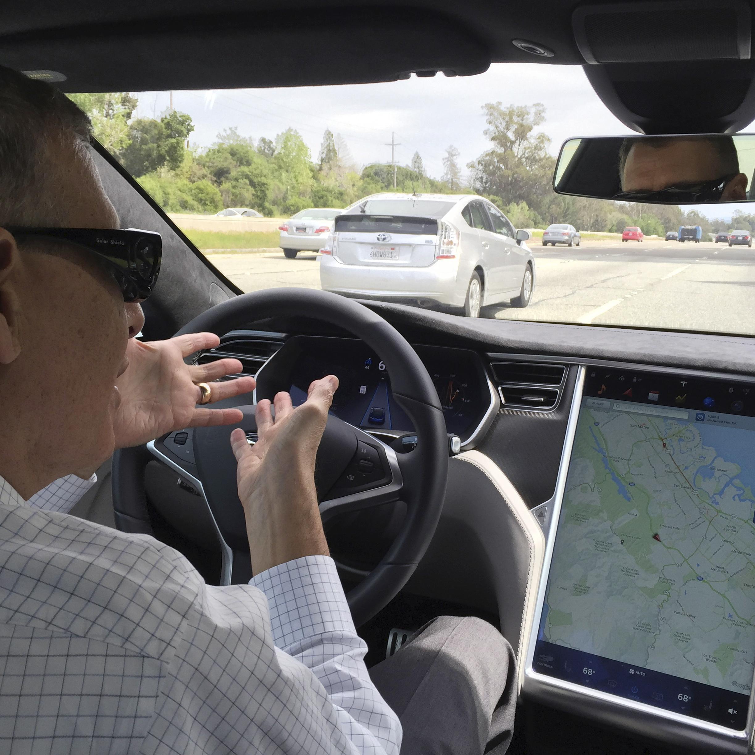 Tesla Model S mit Autopilot