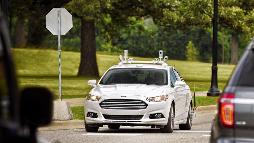 Ford: Ein zum autonomen Fahren umgerüsteter Ford Fusion auf dem Firmengelände in Dearborn