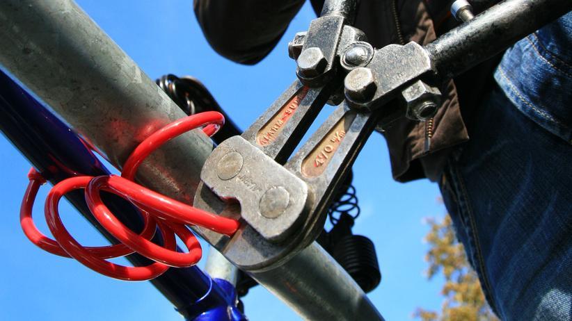 Fahrraddiebstahl: Ein codiertes Fahrrad schreckt Diebe eher ab.