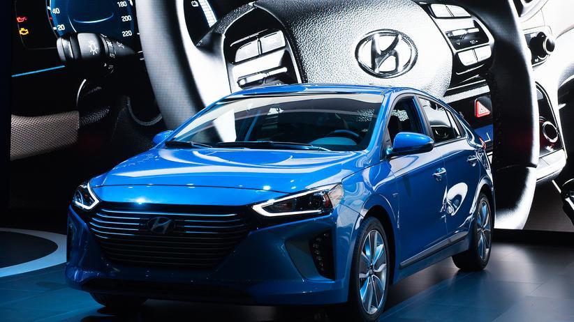 Hyundai: Der Hyundai Ioniq wird bei einer Autoschau in New York präsentiert.
