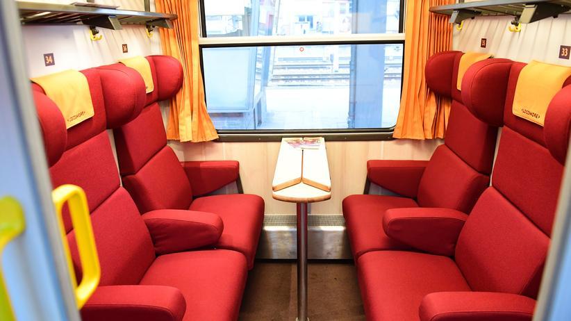 Locomore: Ein Abteil im Zug
