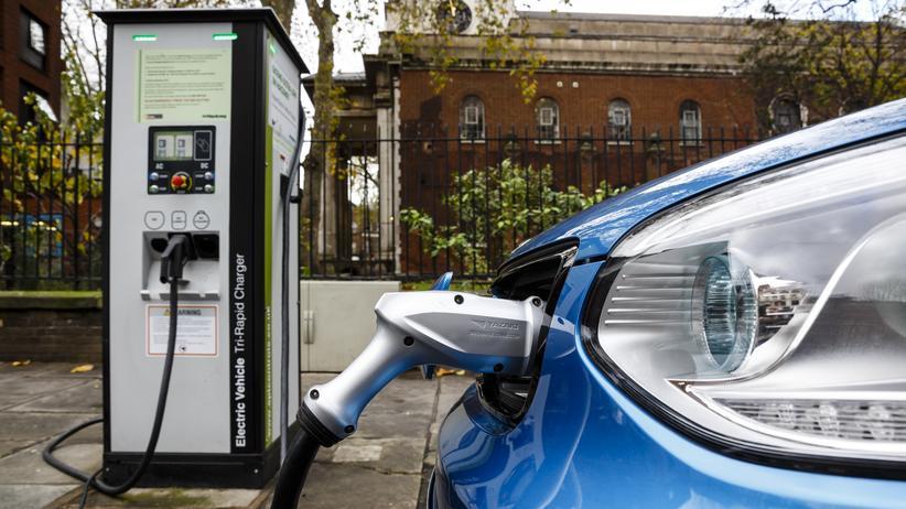 Elektromobilität: Ein Kia Soul EV wird geladen.