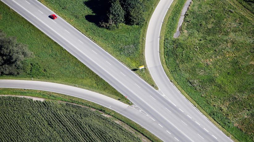 Pkw-Maut: Wer hier künftig fährt, muss zahlen: Autobahn in der Nähe des bayerischen Dachau