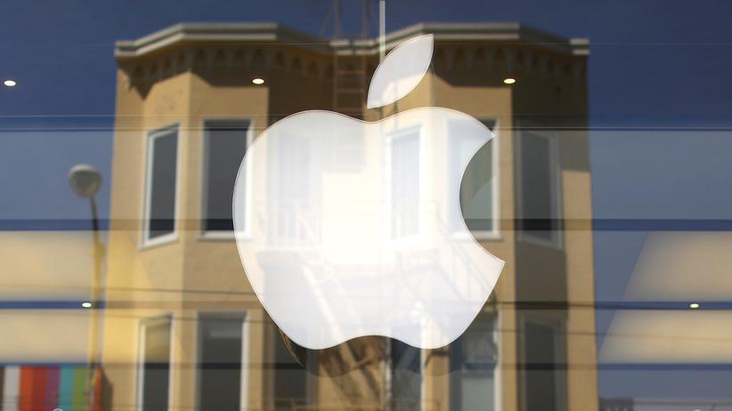 Autonomes Fahren: Das Apple-Logo an einem Apple-Store in San Francisco