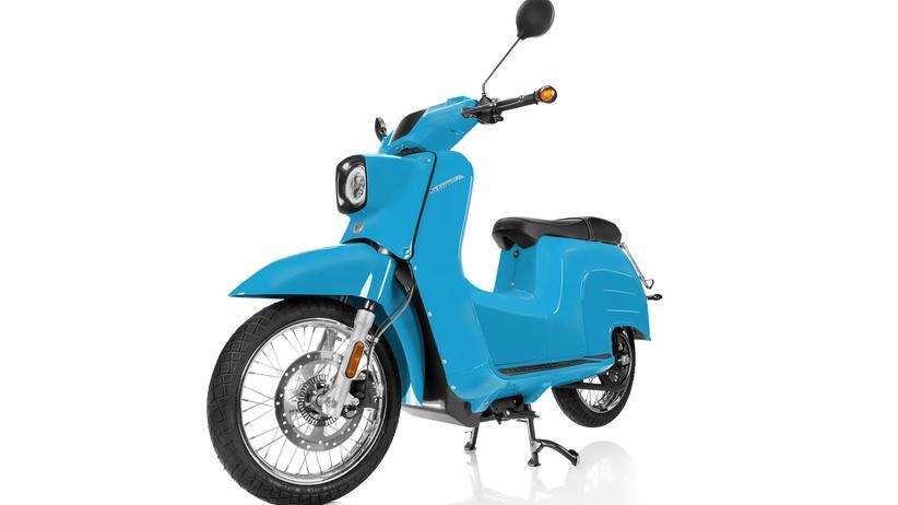 Motorroller: Die Schwalbe bekommt ein Ladekabel