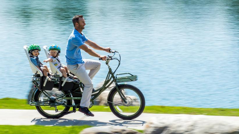 Kinderfahrradsitz: Gesetzliche Mindestanforderungen an Fahrradkindersitze wären wünschenswert.