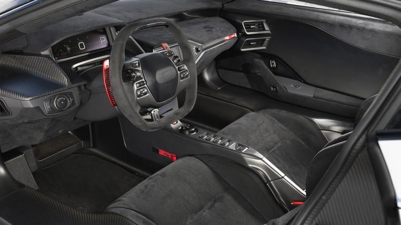 Blick ins Cockpit des Ford GT