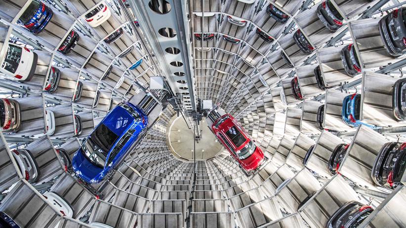 Autos in der Zukunft: Der Volkswagenturm in Wolfsburg