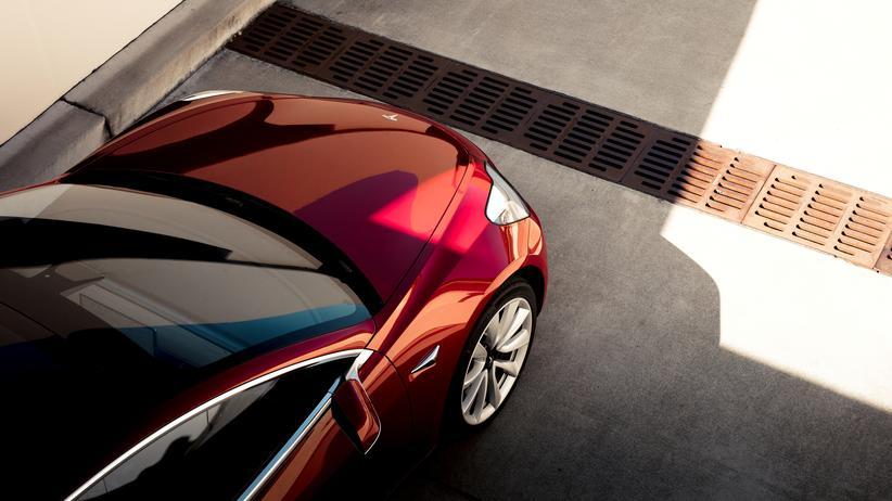 Autoindustrie: Tesla verdoppelt den Umsatz