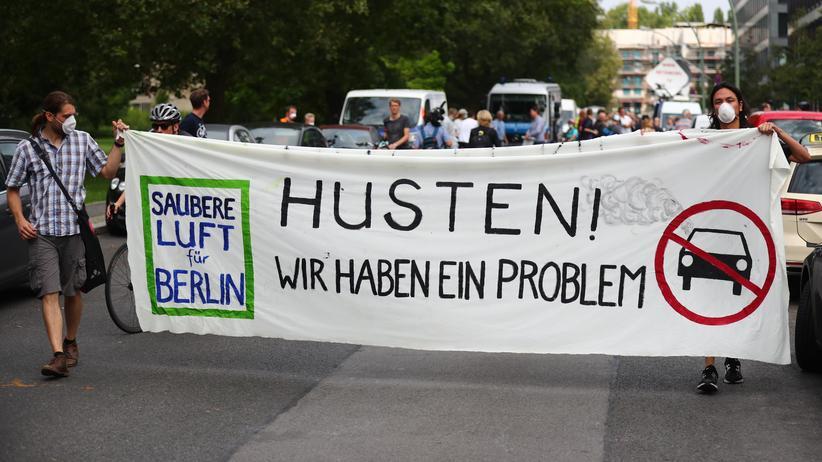 Jürgen Resch: Protestmarsch gegen die Luftverschmutzung in Berlin