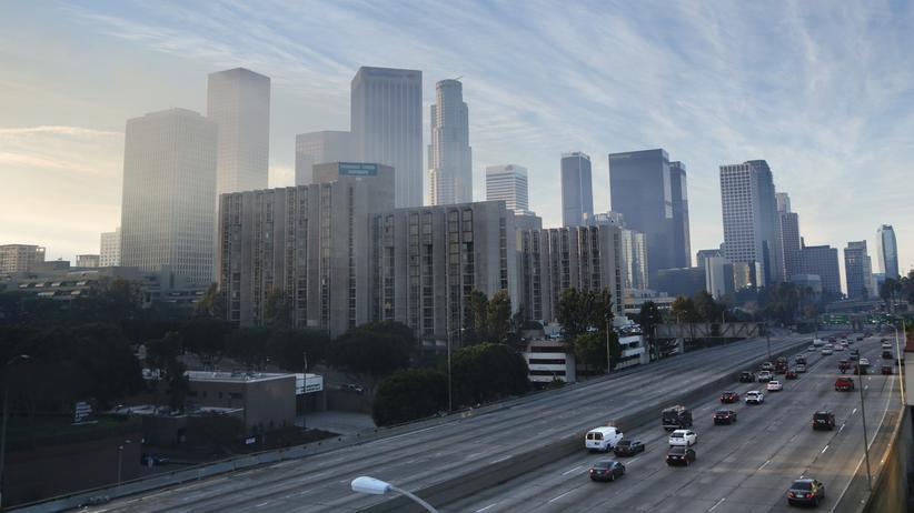 Los Angeles Auto Show: Highway in Los Angeles, Kalifornien