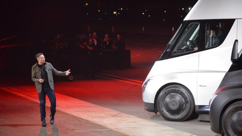 Tesla: Ein bisschen Show