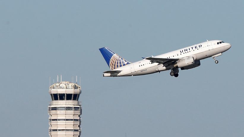 Luftverschmutzung: Eine Maschine der Fluglinie United Airlines