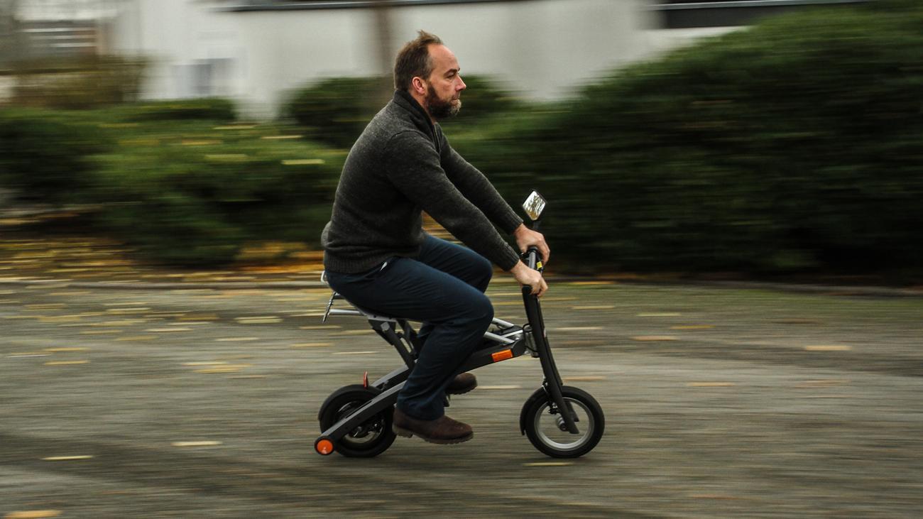 elektro scooter roller im trolley format zeit online. Black Bedroom Furniture Sets. Home Design Ideas