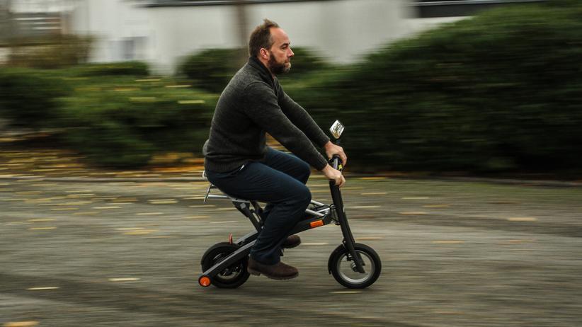 Elektro-Scooter: Roller im Trolley-Format