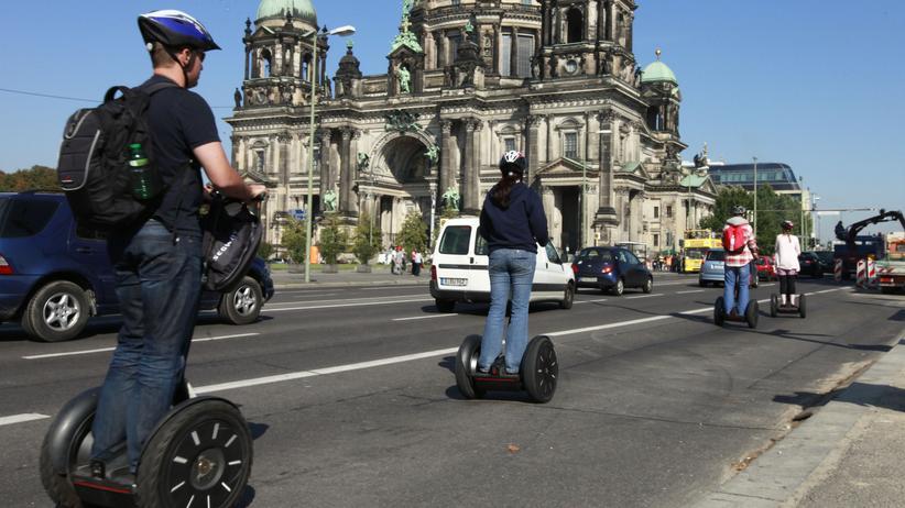 Straßenverkehr: Wer darf auf den Radweg?