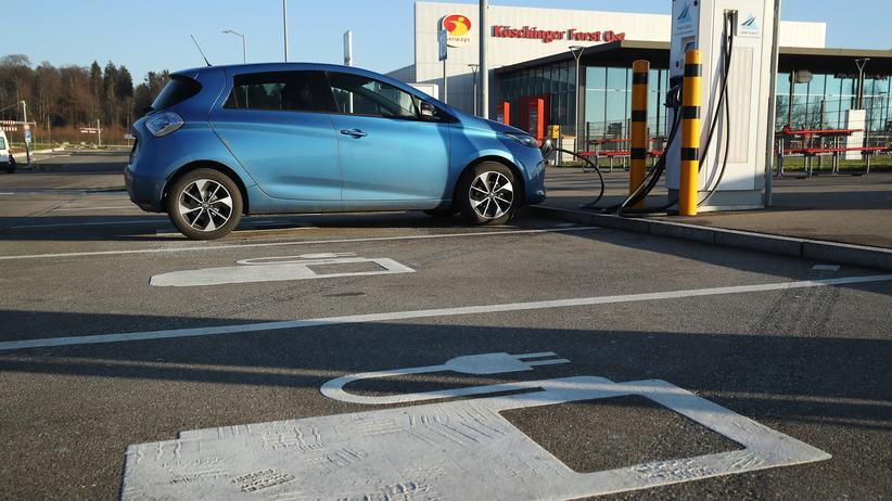 Elektromobilität: Auch Elektroautos belasten die Umwelt.