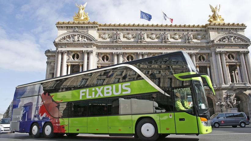 Fernbus: Ein FlixBus in Paris