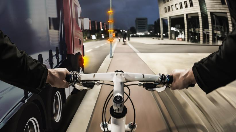 Radfahrer: Radfahrer im toten Winkel? Ein Wärmesensor merkt's