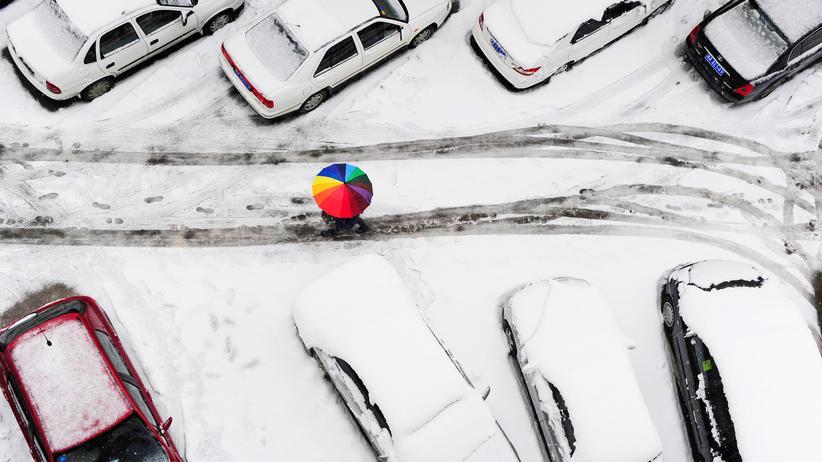 Parken im Winter: Wenn das geparkte Auto eingeschneit wird