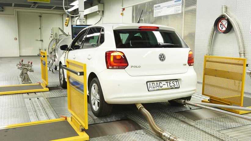 Dieselskandal: Der ADAC hat die Wirkung der Software-Updates in einem VW Polo untersucht.