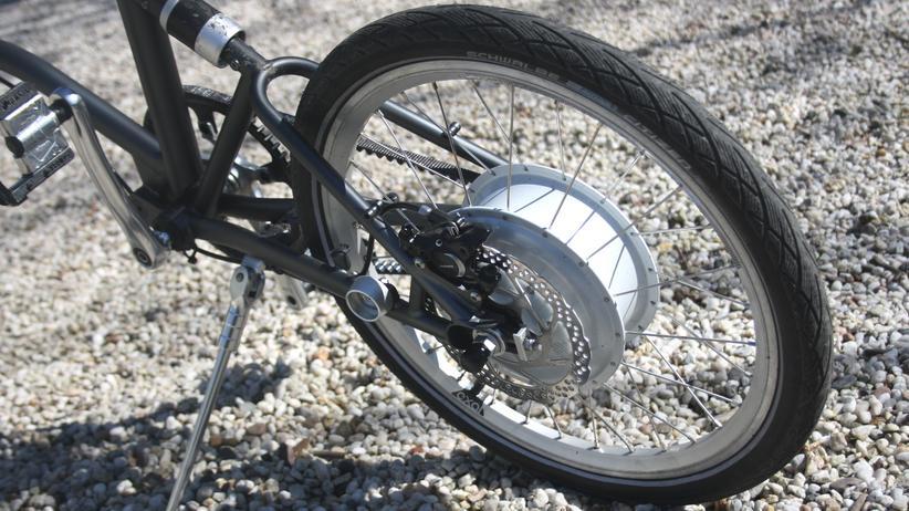 E-Bikes: Die wuchtige Nabe enthält den Elektroantrieb.