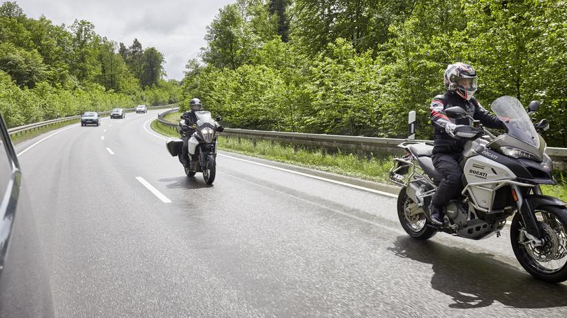 Fahrerassistenz: Wenn das Motorrad selber bremst