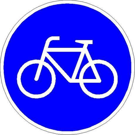 Radfahren: Das Verkehrszeichen 237 kennzeichnet benutzungspflichtige Radwege.