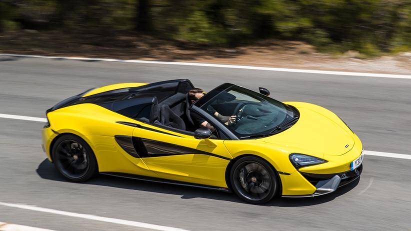 Pendler: Mehr als 200.000 Euro kostet der McLaren 570S Spider – die drei Ziffern stehen für die PS-Zahl.