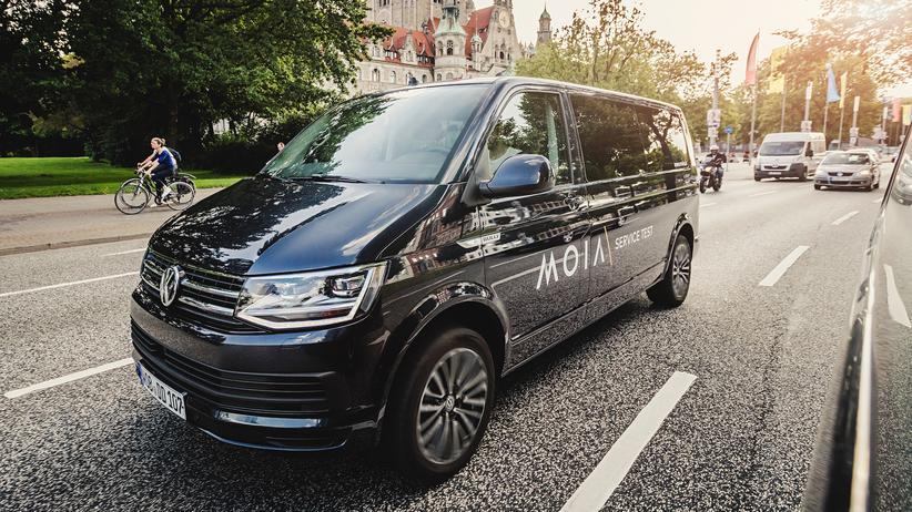 Moia: Einer der Multivans im Testbetrieb von Moia in Hannover