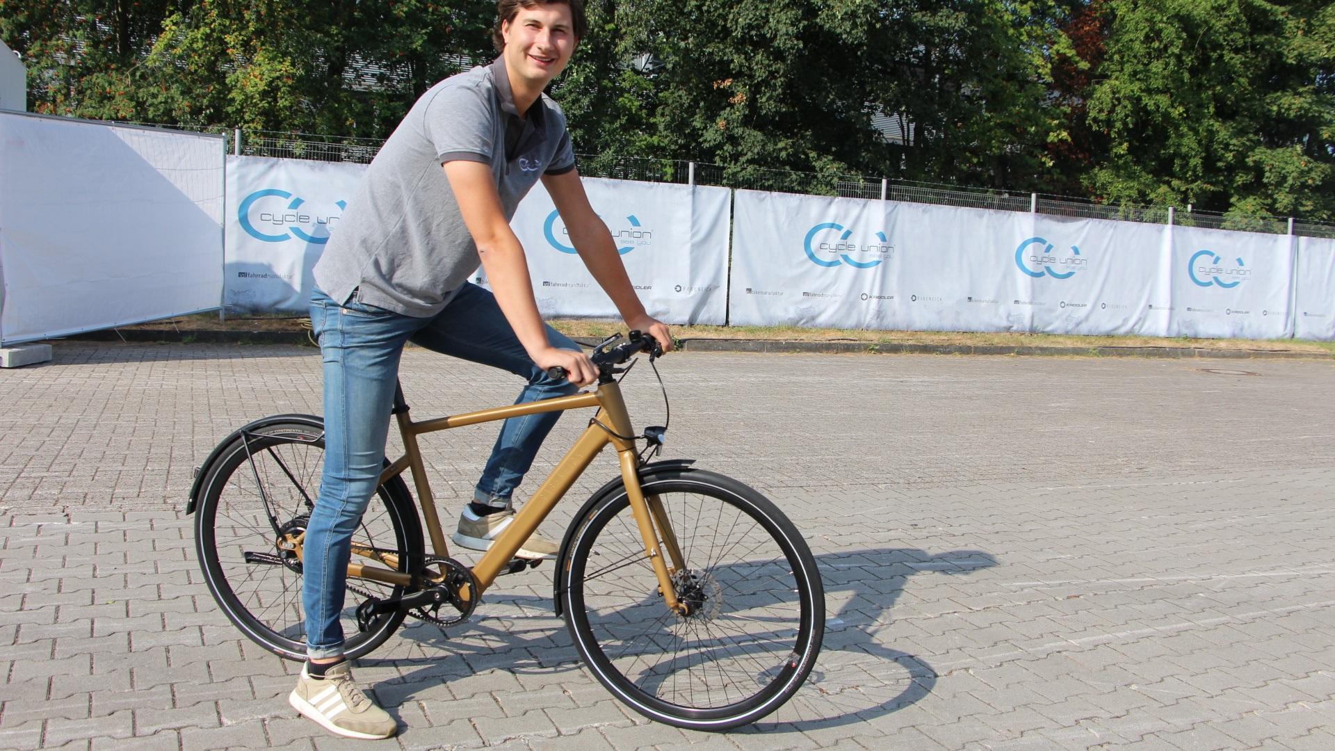 Selbst Mountainbikes gibt's mit Motor