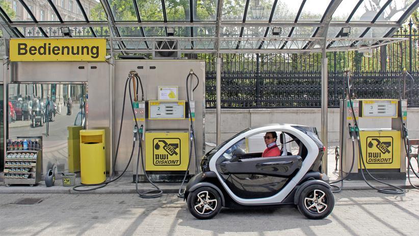 Elektromobilität: Umweltfreundlich und bald schneller als die Benziner: das Elektroauto.