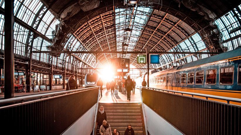 Fahrgastrechte: Der Bahnhof in Amsterdam